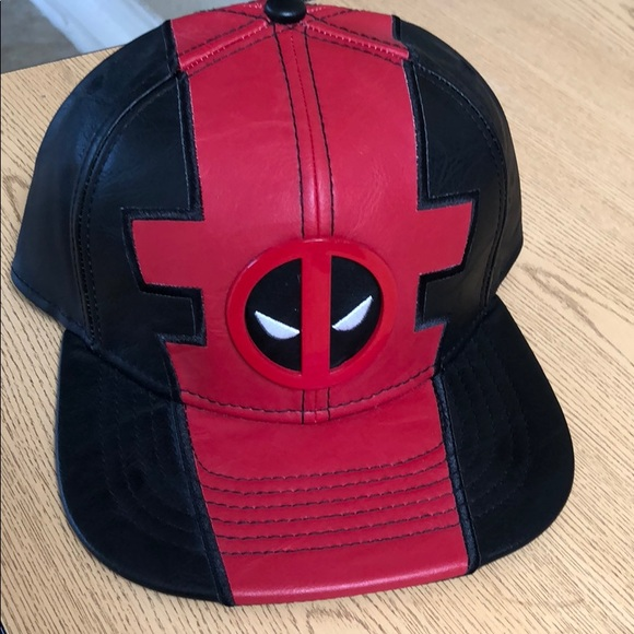 d597966e1dc Marvel Deadpool snapback hat leather black red new